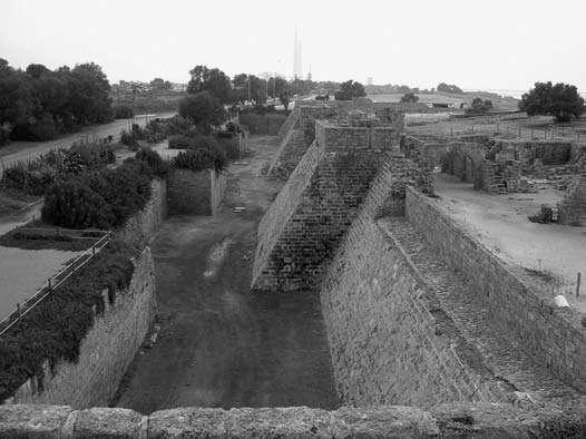 Césarée, vue des tours