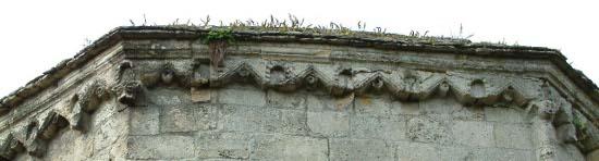 Laon, chapelle templière Les corniches du coeur