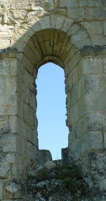 Montarouch, fenêtre romane