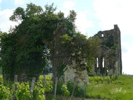 Ruines de la chapelle du Temple de Galgon